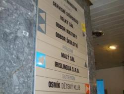 Kulturní dům Ph8 Krakov - hlavní info cedule (hliníkový systém Cosign Indoor)