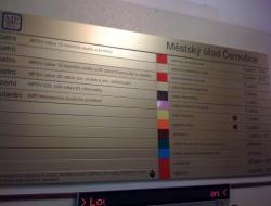 Ministerstvo práce - hlavní info cedule (hliníkový systém Cosign Indoor)