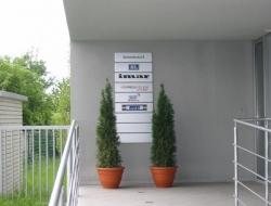 Bohdalec - cedule s logy (hliníkový systém Cosign Indoor)